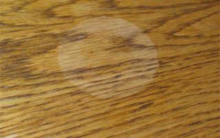 Как удалить белые пятна от воды на мебели